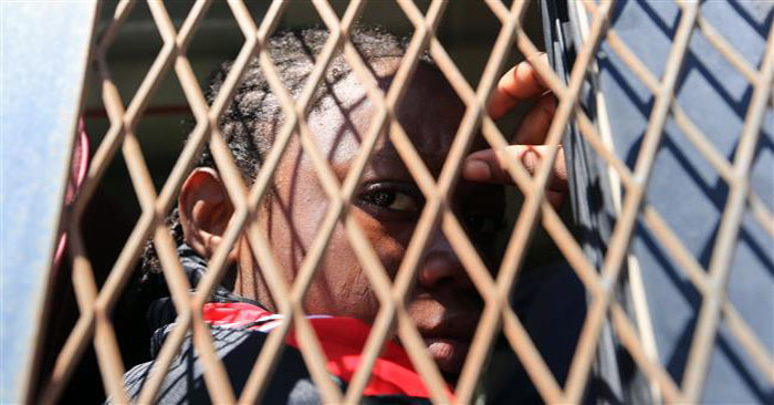 Detained migrants in Libya 'in disastrous conditions'